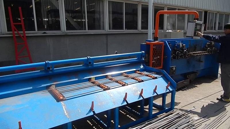 станок для правки арматурной стали в пруток